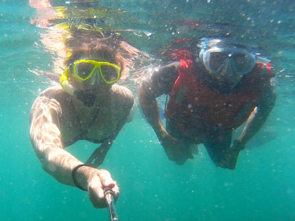 ecuador-galapagos-isabela-snorkelen-samen